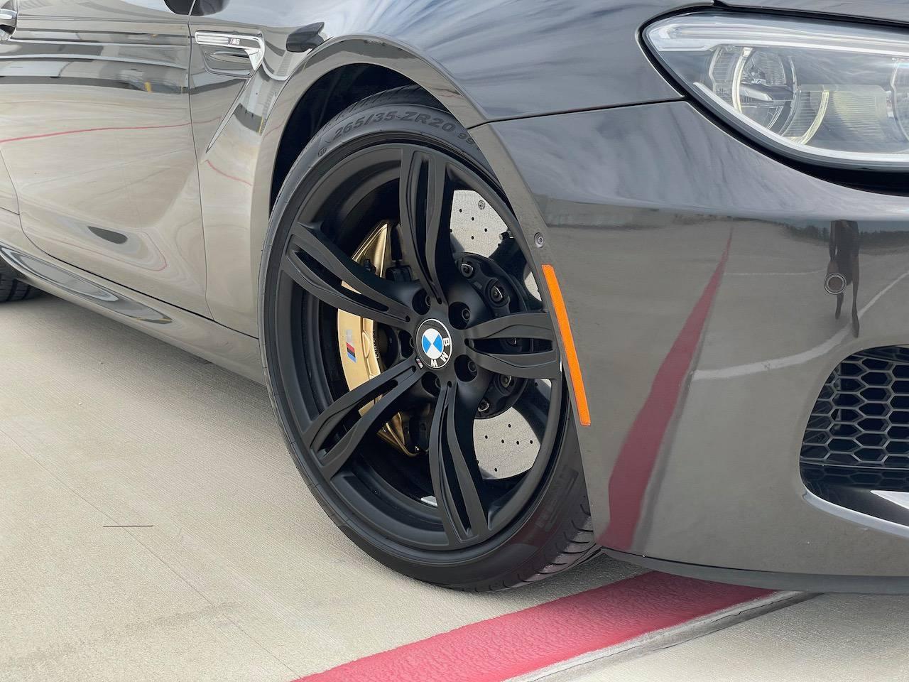 2017 BMW M6 Carbon Ceramic brakes